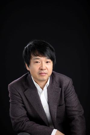 CHOONG-MO KANG